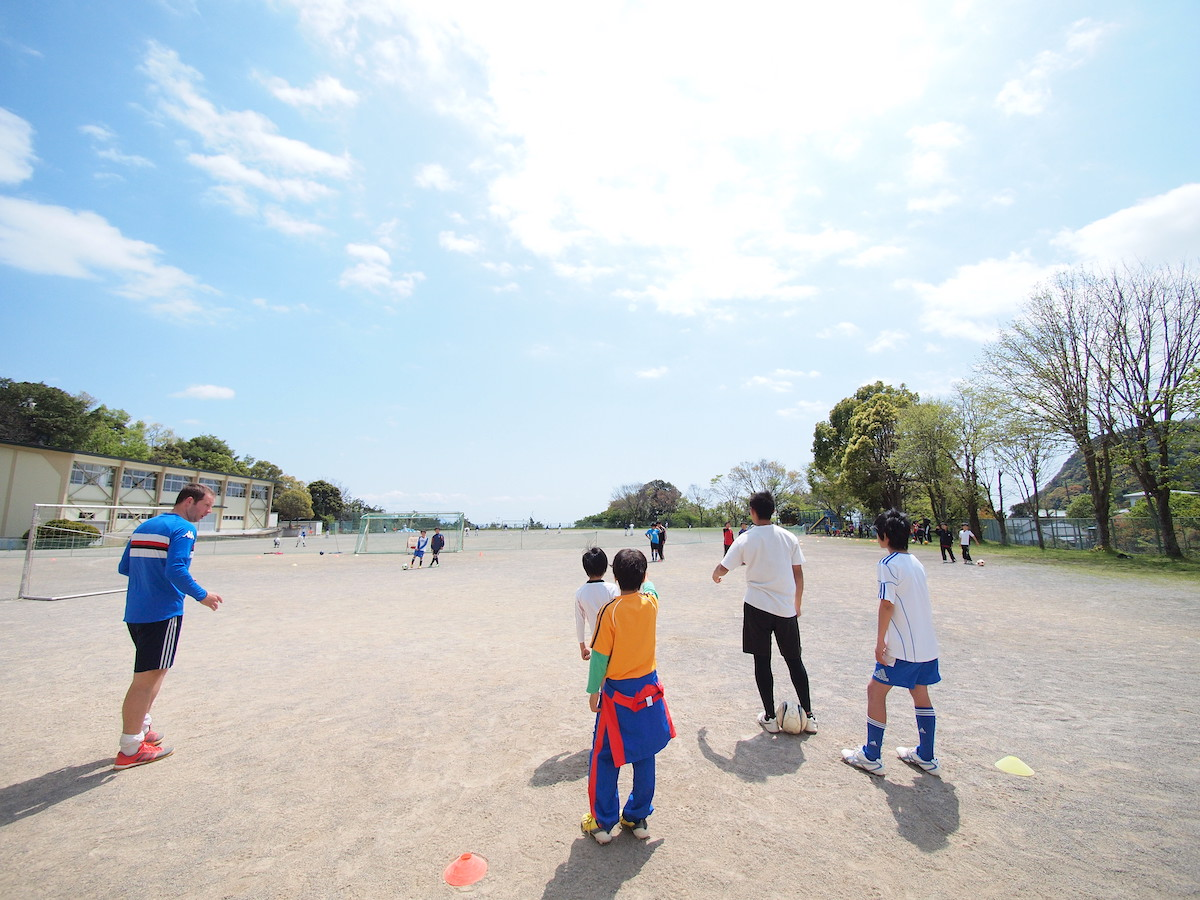 Inviting Overseas Professional Coaches